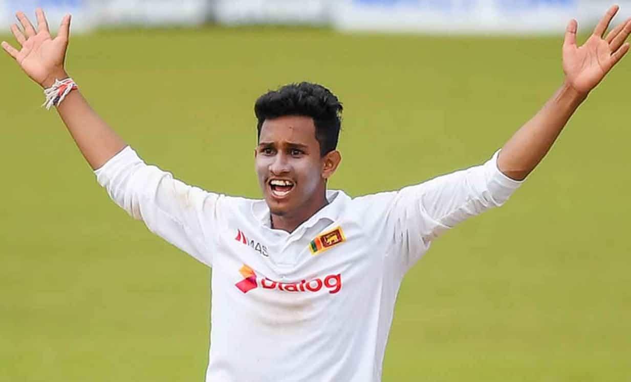 Cricket Image for 22 साल के इस श्रीलंकाई गेंदबाज ने रचा इतिहास, 144 साल के इतिहास में दूसरी बार हुआ