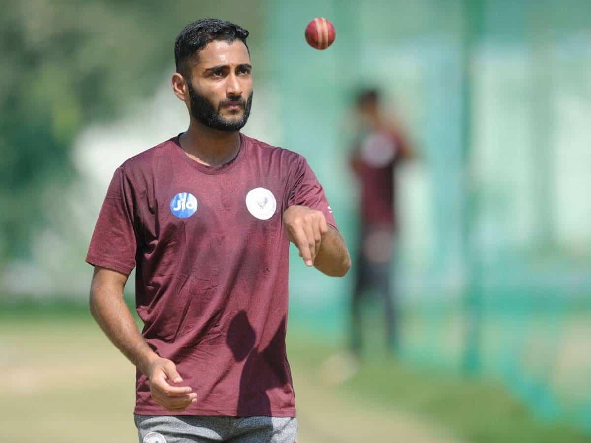 Arzan Nagwaswalla - The Only Parsi Cricketer In India