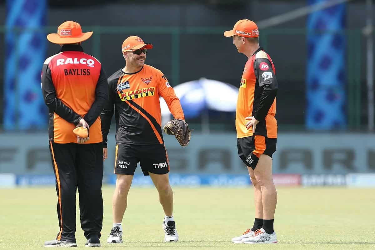 Cricket Image for David Warner Took News Of Being Axed As SRH Captain 'With Class', Says Brad Haddin