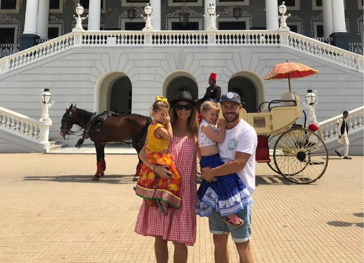 Cricket Image for David Warner's Wife, Kids 'Grateful' To See Him Back Home