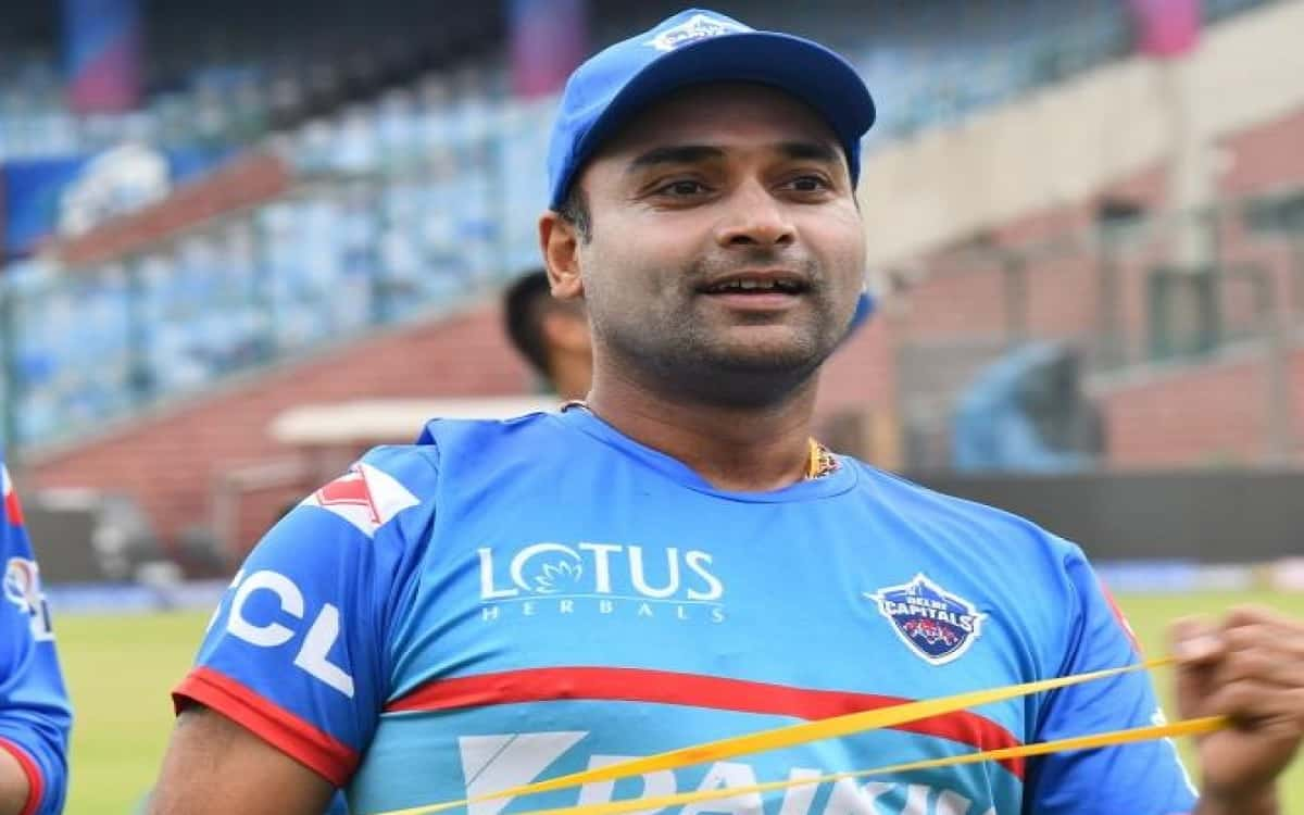 Cricket Image for Delhi Capitals Leg Spinner Amit Mishras Corona Report Negative Player Share Photo