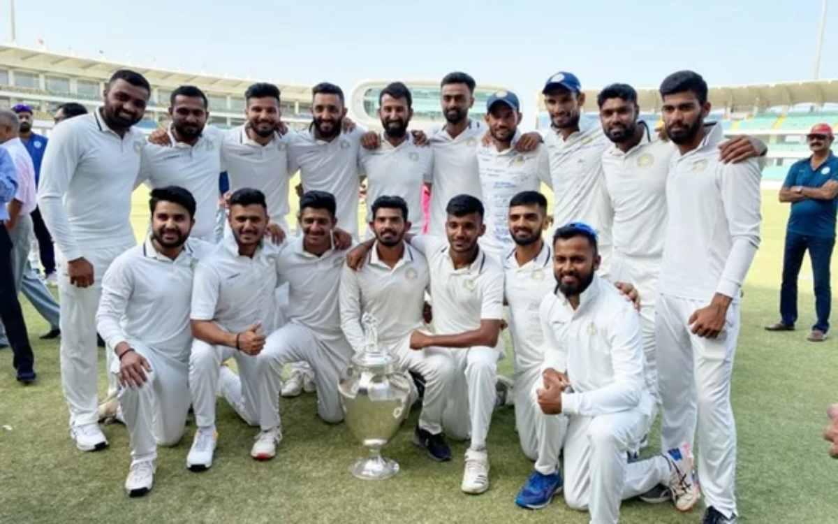 Cricket Image for आखिरकार कैसे हुई इतनी बड़ी गलती,  700 से ज्यादा रणजी खिलाड़ियों को नहीं मिला एक सा