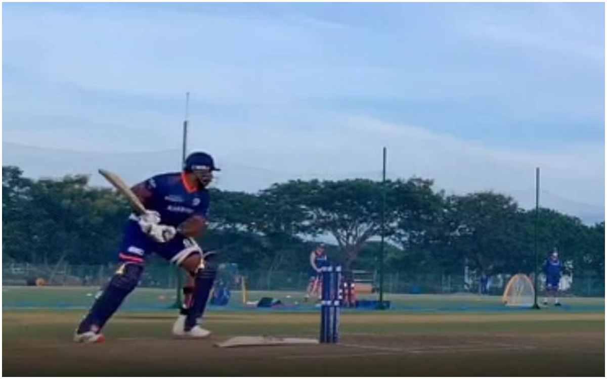 Cricket Image for VIDEO : स्टंप्स के पीछे जाकर शॉट्स खेलते दिखे पोलार्ड, सोशल मीडिया पर वायरल हो रहा
