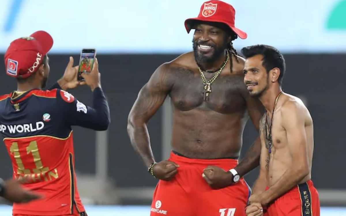 Cricket Image for पंजाब किंग्स ने किया आरसीबी को ट्रोल, सोशल मीडिया पर पोस्ट की गेल और चहल की शर्टले