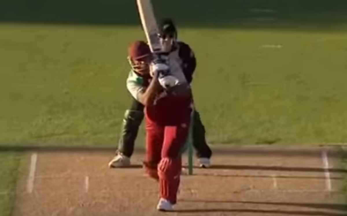 Cricket Image for VIDEO : कुछ ऐसे हुआ था पोलार्ड के टी-20 करियर का आगाज़, पहली ही बॉल पर लगाया था छक