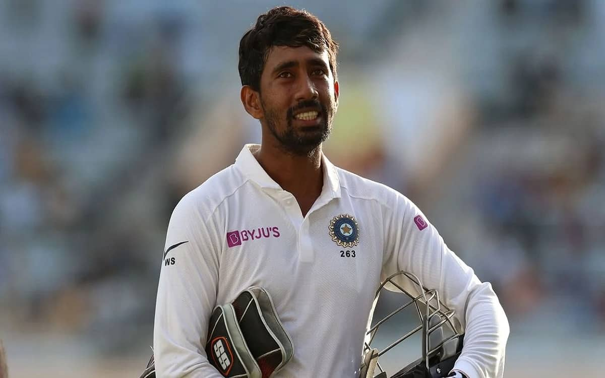 Cricket Image for Wriddhiman Saha Told Rishabh Pant Is The First Chocie As The Wicket Keeper In The