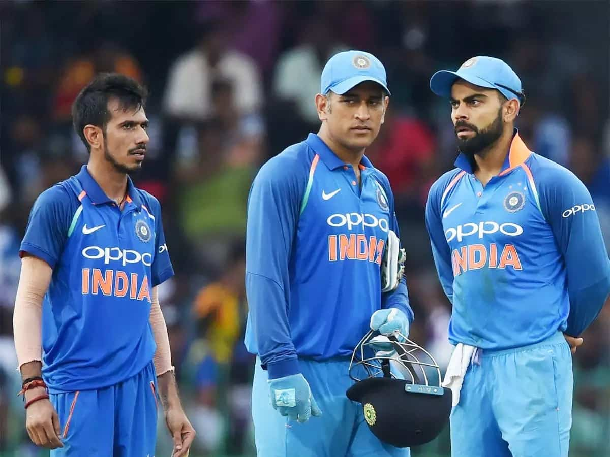 Chahal answers on better captain between Dhoni and Kohli