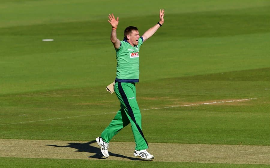 Josh Little and Craig Young help Ireland restrict Netherlands to 157 in the second ODI