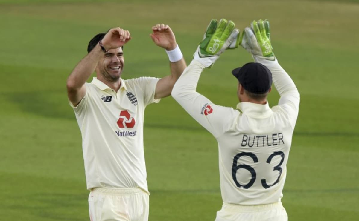 Cricket Image for रॉबिन्सन के बाद अब जेम्स एंडरसन और जोस बटलर भी विवादित ट्वीट को लेकर मुश्किल में,ल