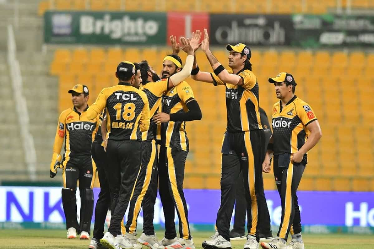 PSL 6 - Peshwar Zalmi beat Islamabad united by 8 wickets to reach in the final