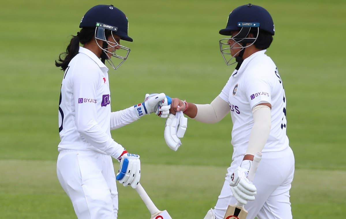 Cricket Image for शेफाली-मंधाना से मिली धमाकेदार शुरूआत के बाद भारत की पारी लड़खड़ाई, 16 रन के अंदर