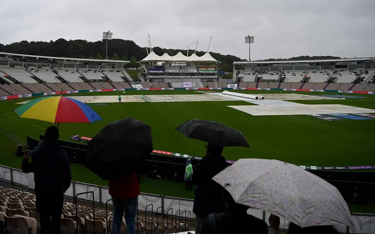 Cricket Image for Fourth Days Play Ended Without Playing A Ball After Rain Spoiled The Fun Of Exciti