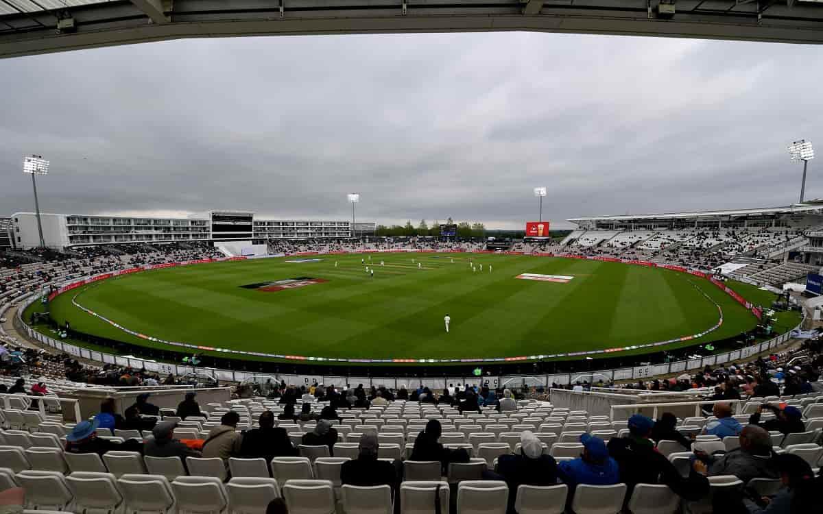 Cricket Image for Captain Virat Kohlis Effortless Batting Made India 12/3 Till The Tea Break