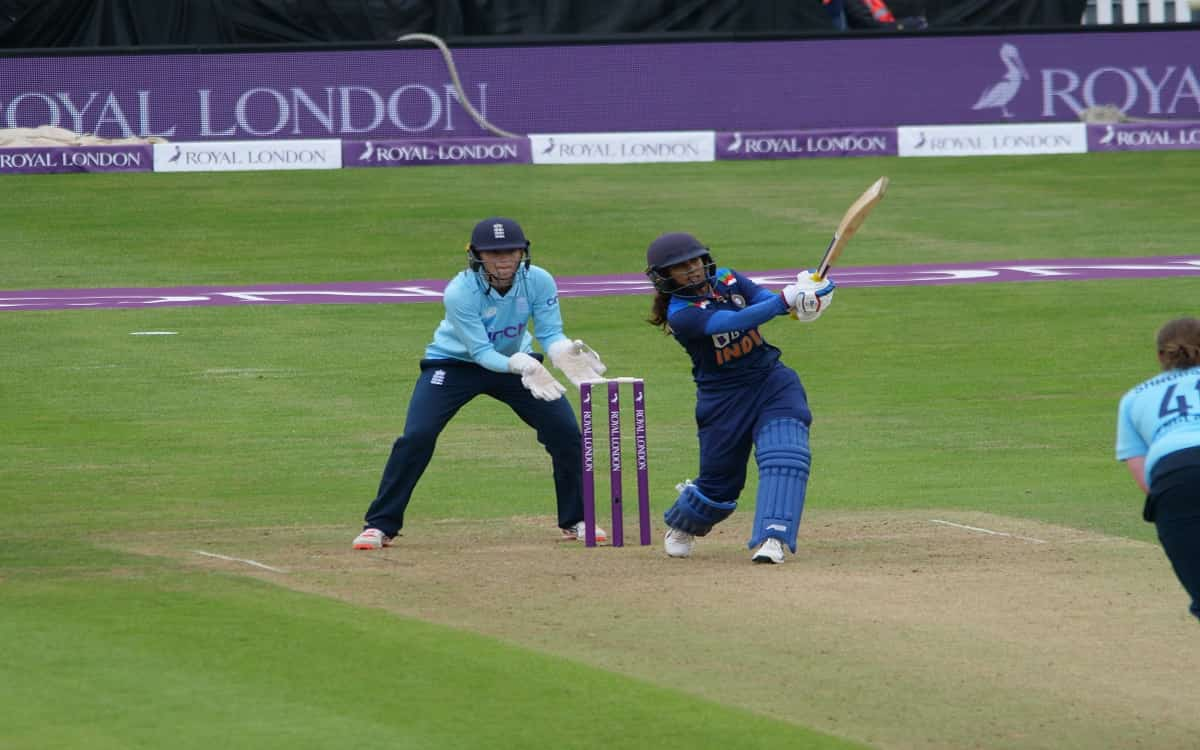 Cricket Image for ENGW vs INDW: Mithali Raj Going Strong After 22 Years, Scores 72 To Take India To