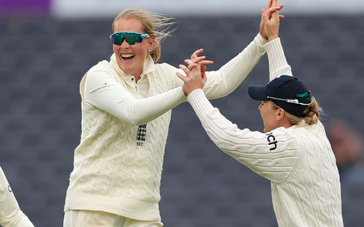 Cricket Image for Indian Womens Teams Batting Scattered In Front Of England Lost 8 Wickets With A Le