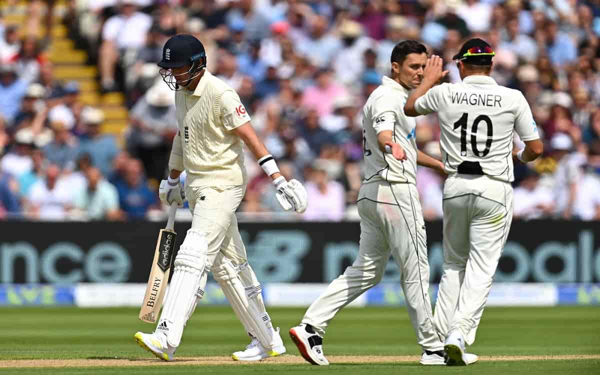 Cricket Image for New Zealand Bundled Out England For 303 In The First Innings In The Second Test