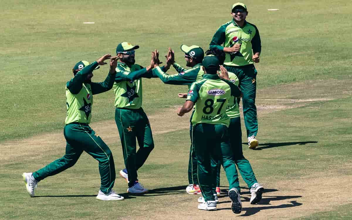 PCB issued statement that Pakistan team will be quarantined for 5 days before England tour