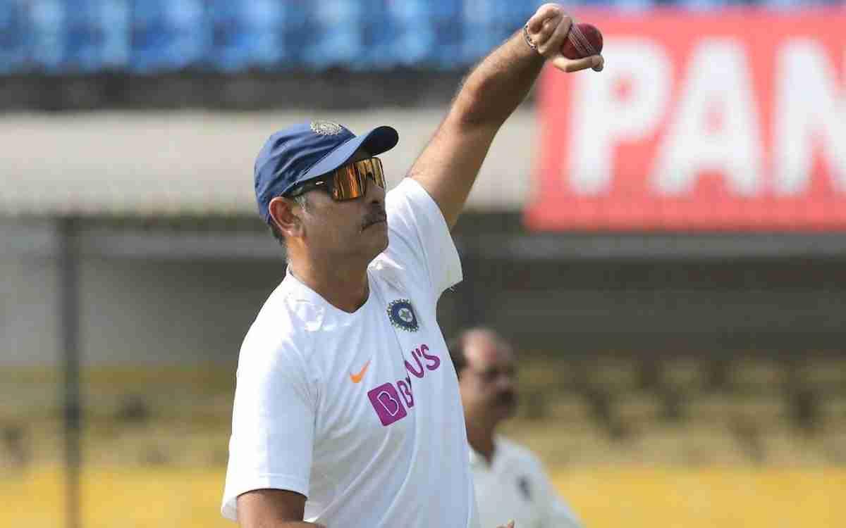 Cricket Image for शर्मनाक हार के बाद कोच रवि शास्त्री ने दिया पहला रिएक्शन, फैंस बोले- 'टीम से बाहर