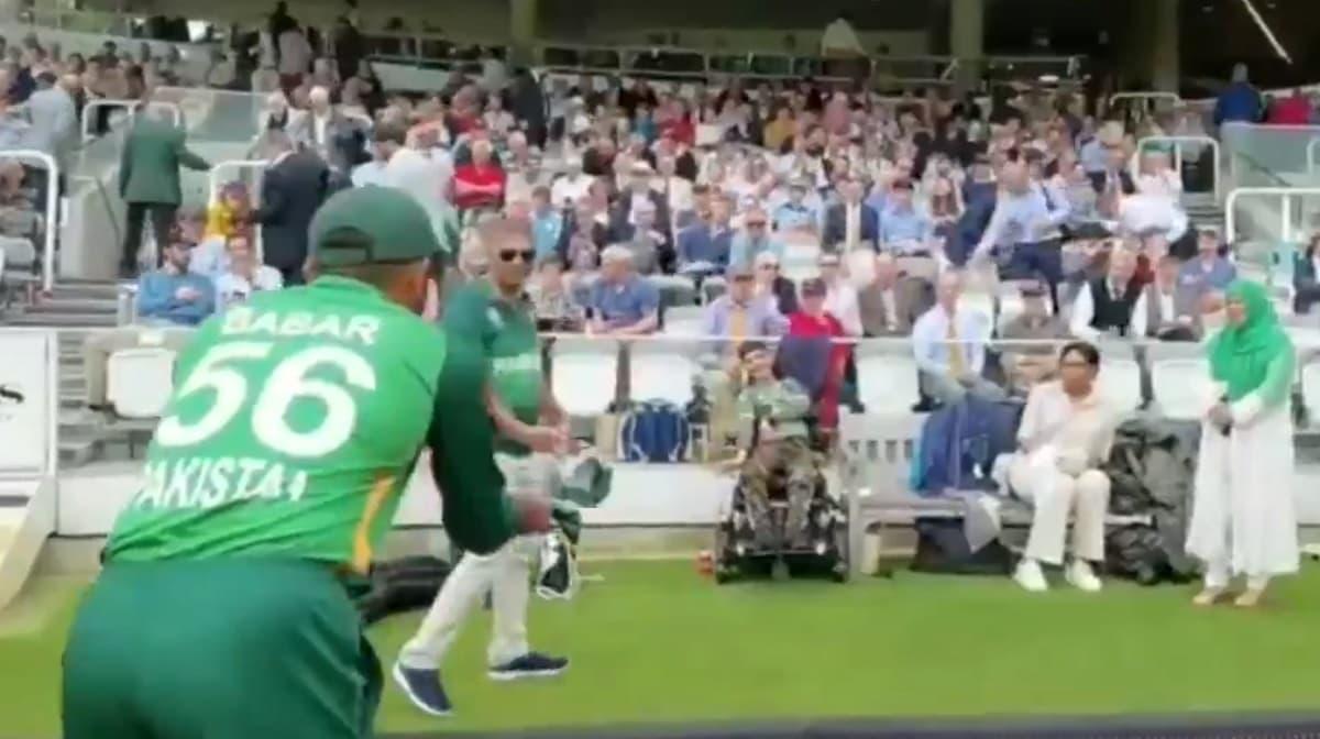 ENG vs PAK - Babar Azam gifts a signed cap to a little cricket fan in 2nd ODI