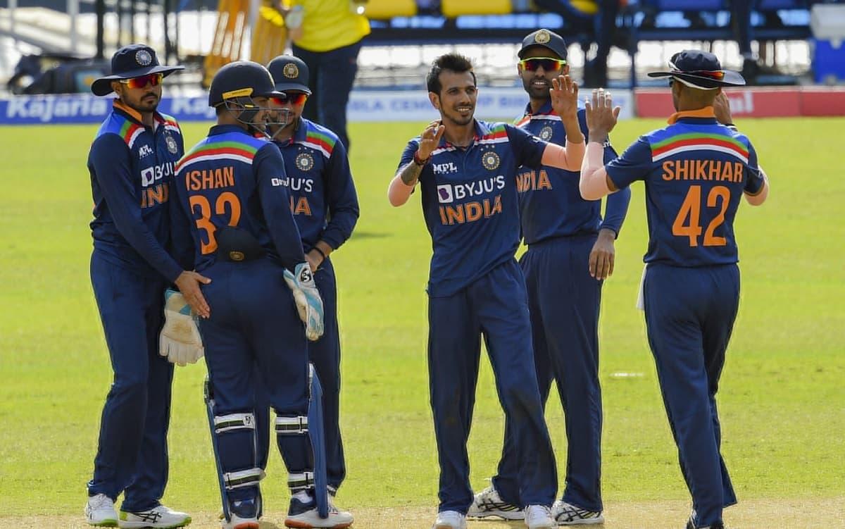 Sri Lanka have set India 263 to win the first ODI