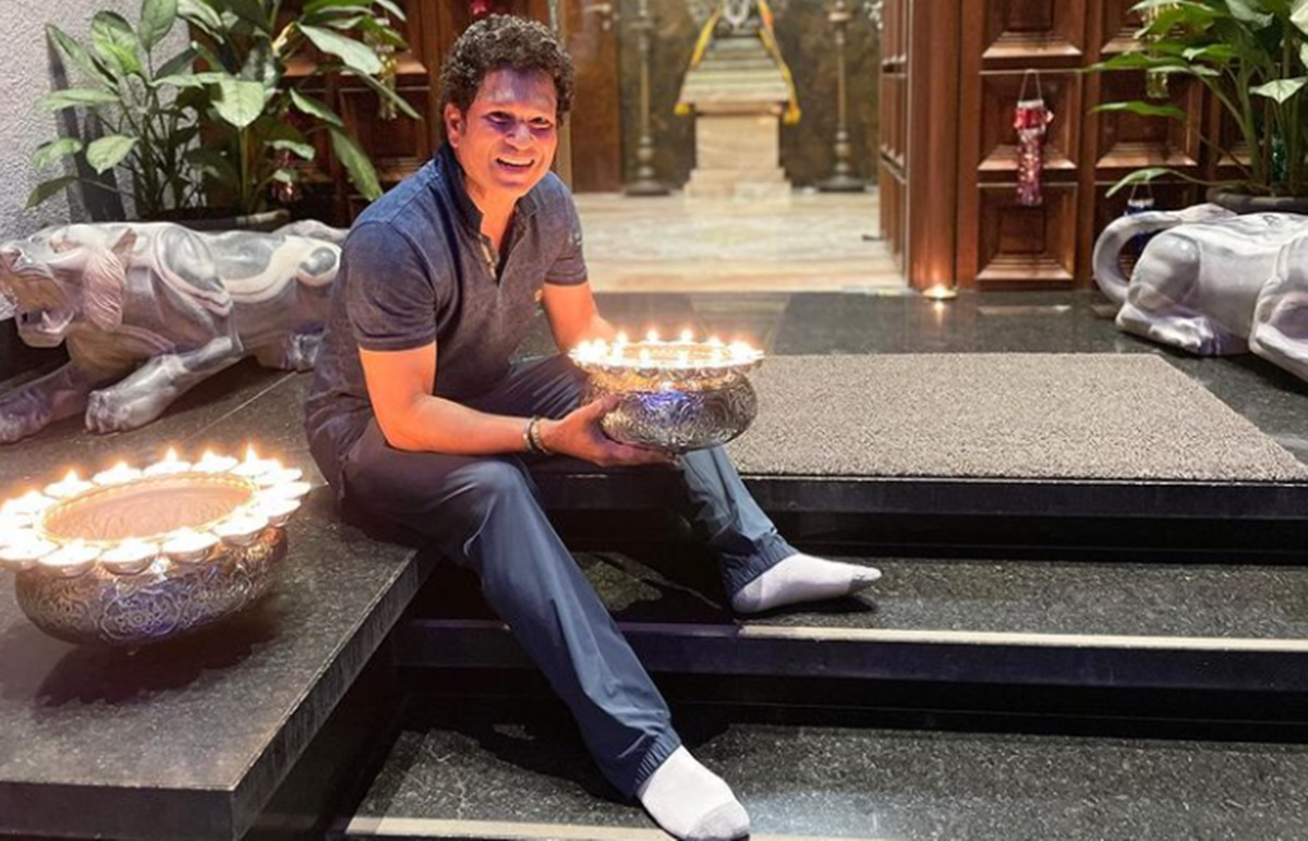 Cricket Image for Little Guest Came To Sachin Tendulkar House Watch Emotional Video