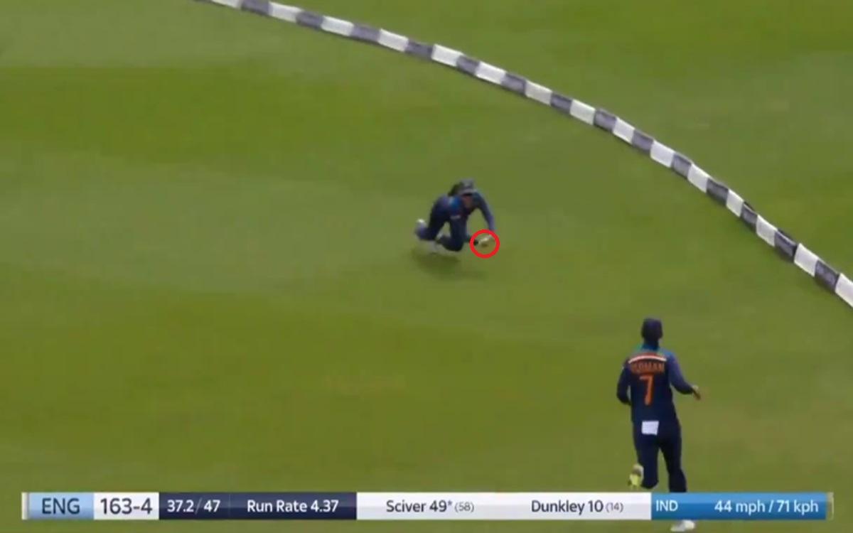 Cricket Image for Smriti Mandhana Stunner Catch To Dismiss Nat Sciver Watch Video