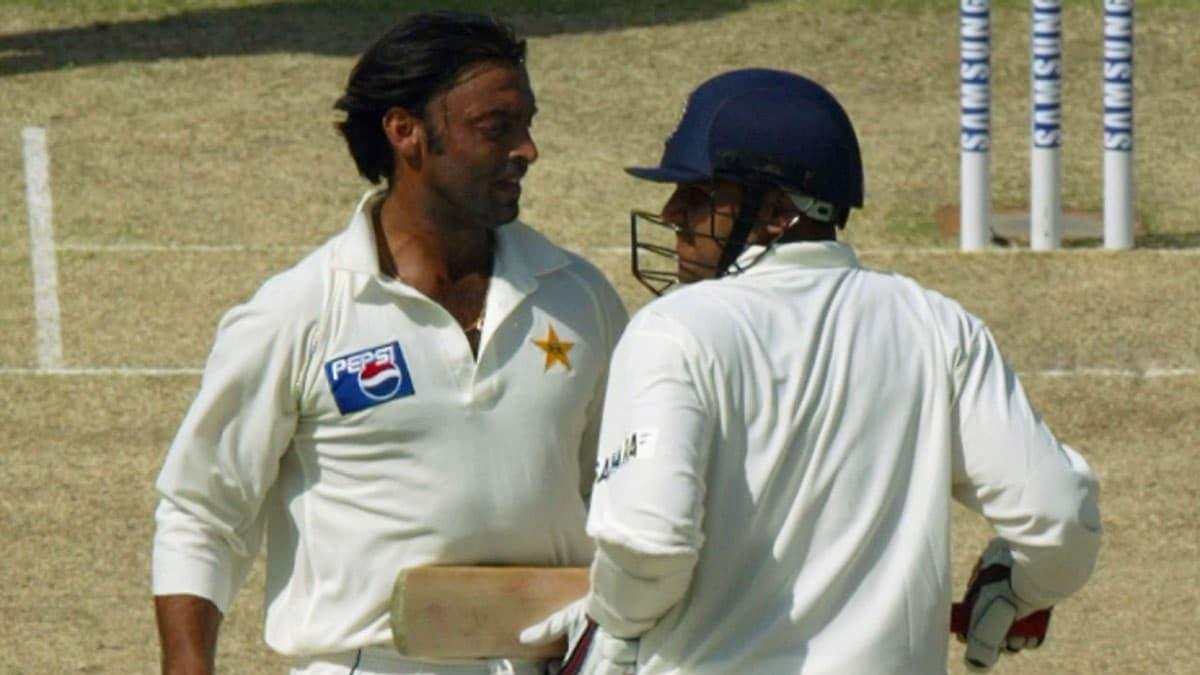 Tum bowling kar rahe ho ya bheekh maang rahe ho – When Virender Sehwag sledged Shoaib Akhtar brutall