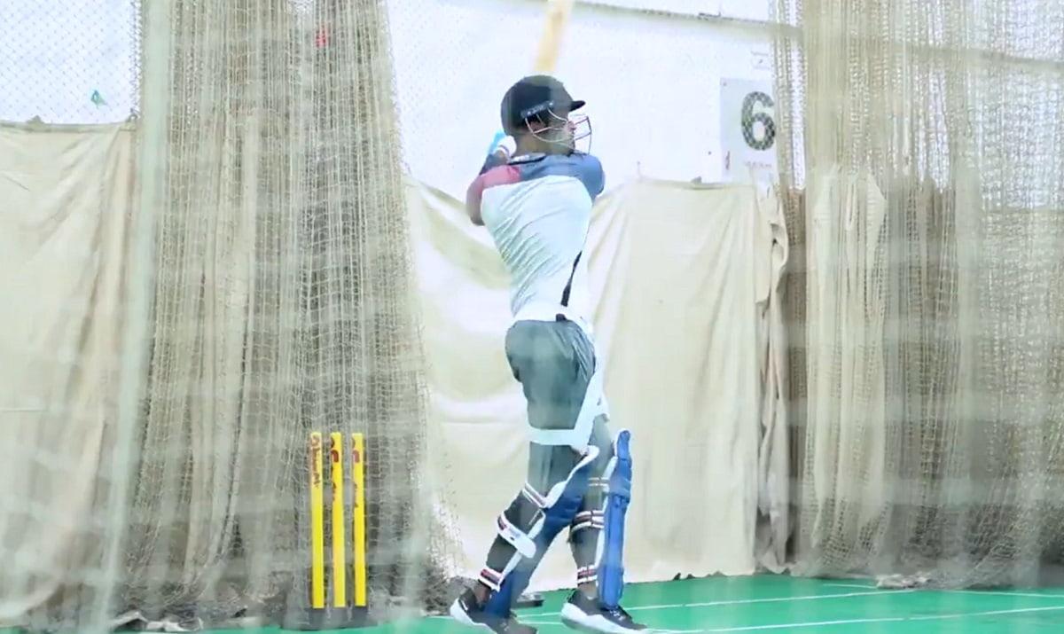 Cricket Image for VIDEO: दिल्ली कैपिटल्स के कैंप में पहुंच श्रेयस अय्यर ने लगाए करारे शॉट, IPL में ध