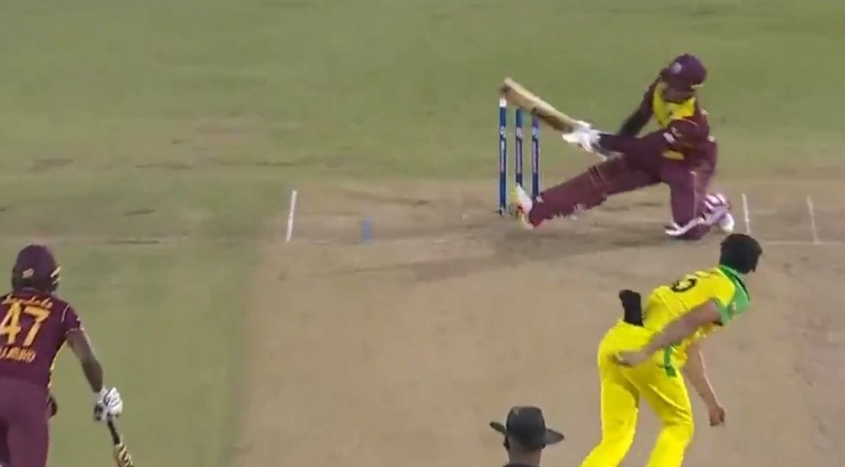 WI vs AUS 2021 - Shimron Hetmyer bravely scoops Mitchell Starc for a six to bring up second T20I hal