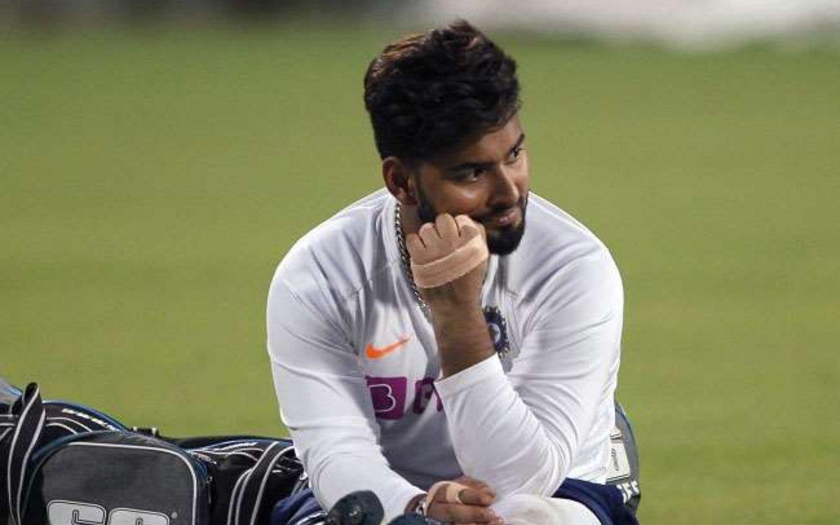 Cricket Image for बुरी खबर: ऋषभ पंत के साथ चार और भारतीय सदस्य 10 दिन के लिए क्वारंटीन