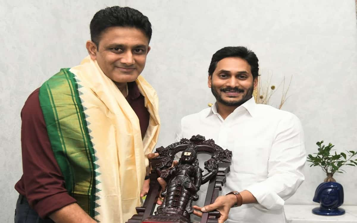 Anil Kumble met jagan mohan reddy the Chief Minister of Andhra Pradesh discussed the sports university topic