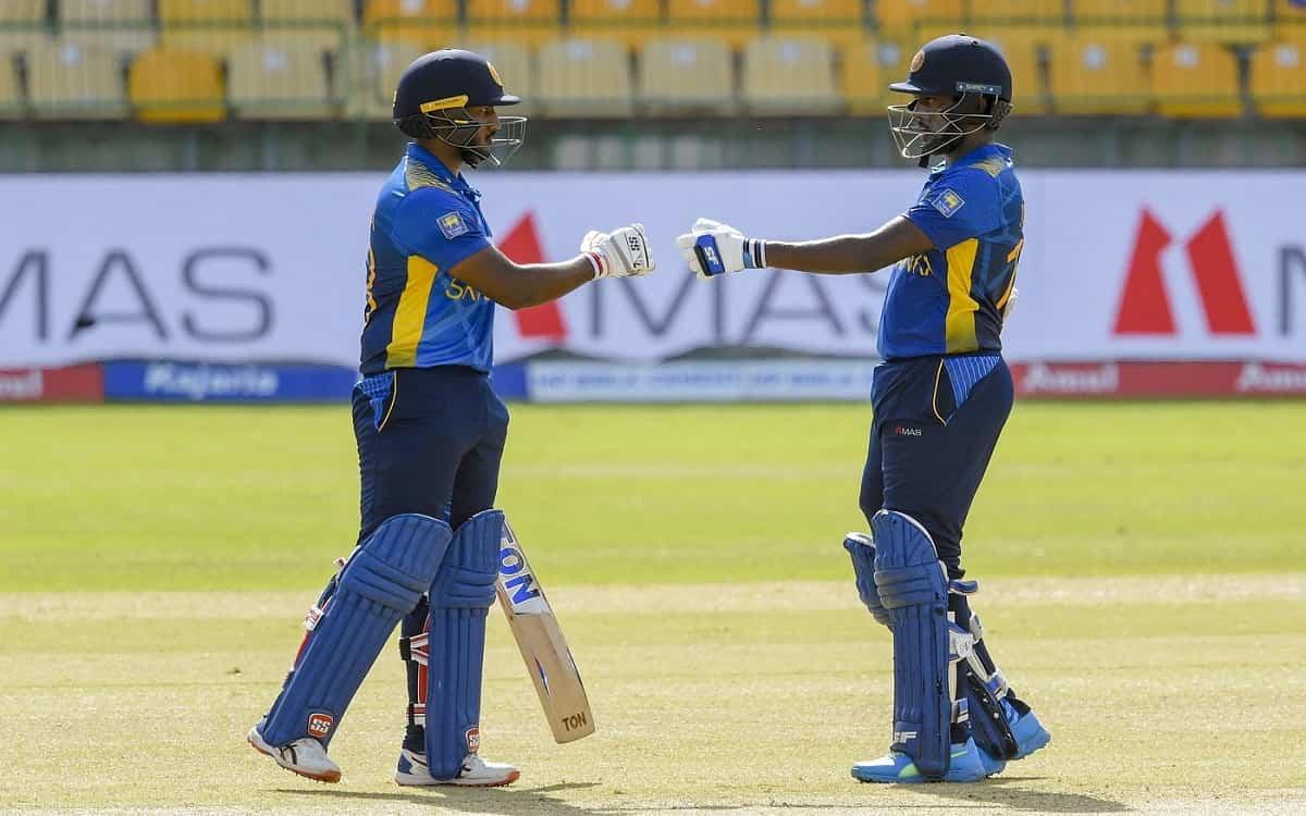 Cricket Image for SL vs IND: असालंका और फर्नाडो के अर्धशतक ने श्रीलंकाई पारी को संभाला, मेजबान ने भा