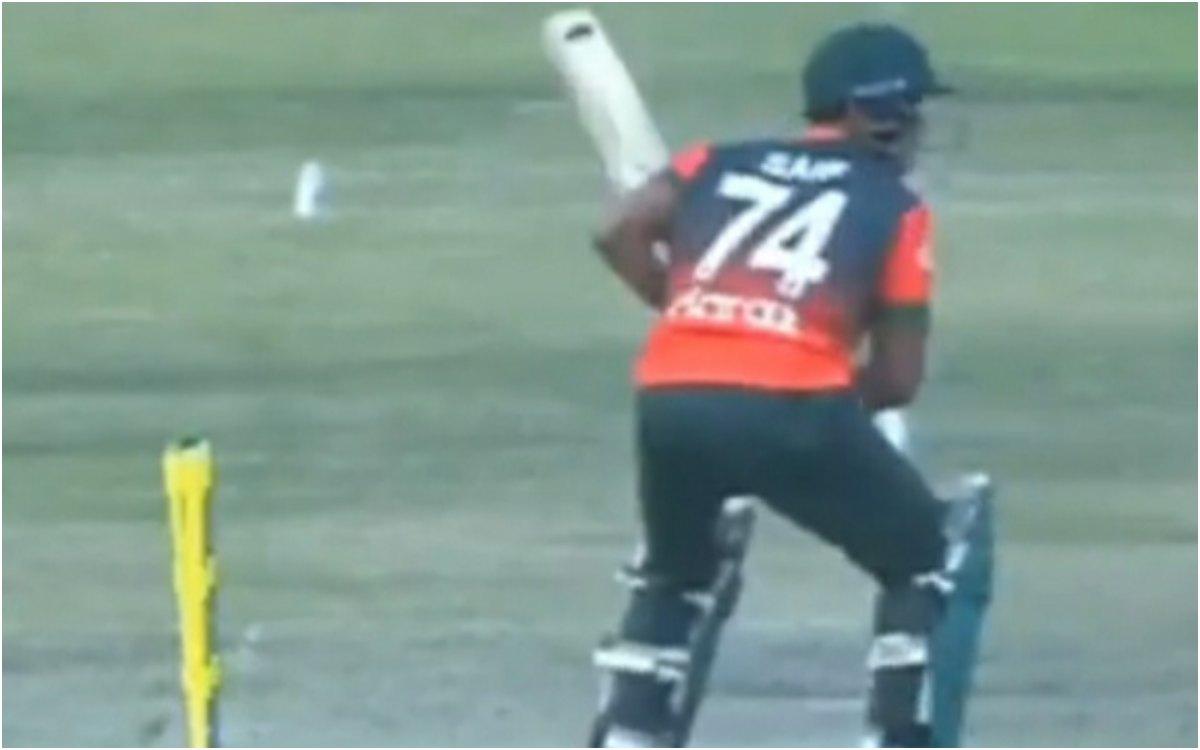 Cricket Image for VIDEO : क्या 'भूत' ने रोका बांग्लादेश-ज़िम्बाब्वे का मैच, जानिए वायरल वीडियो की सच