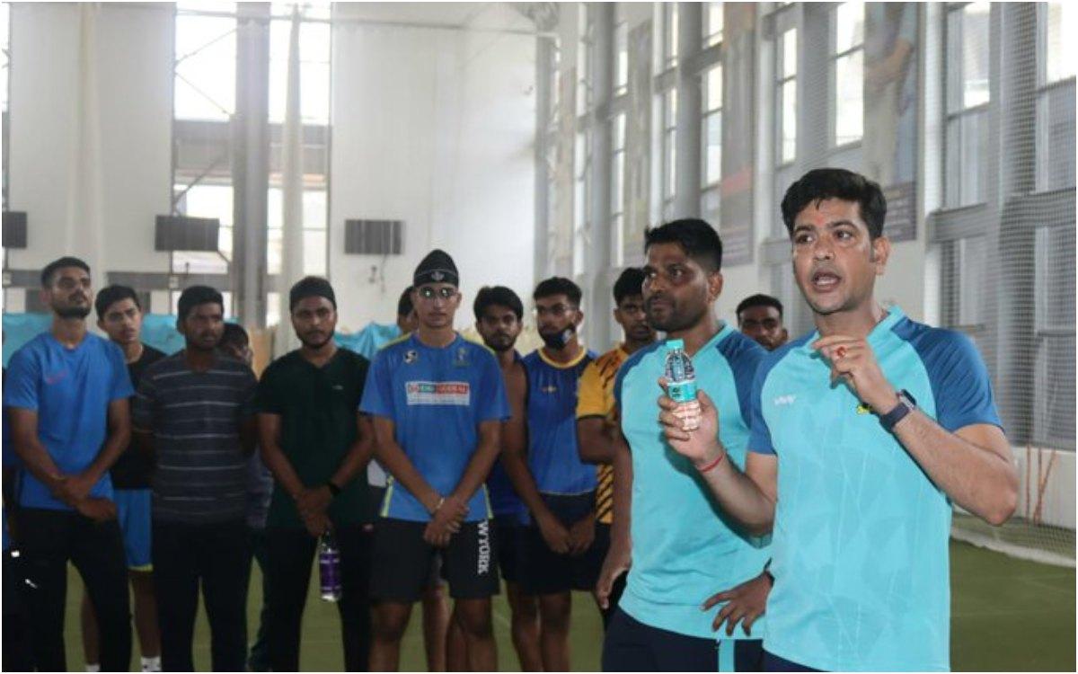 Cricket Image for 'ना लंबे बाल और ना सोशल मीडिया', बंगाल के कोच ने कसी युवा खिलाड़ियों पर नकेल