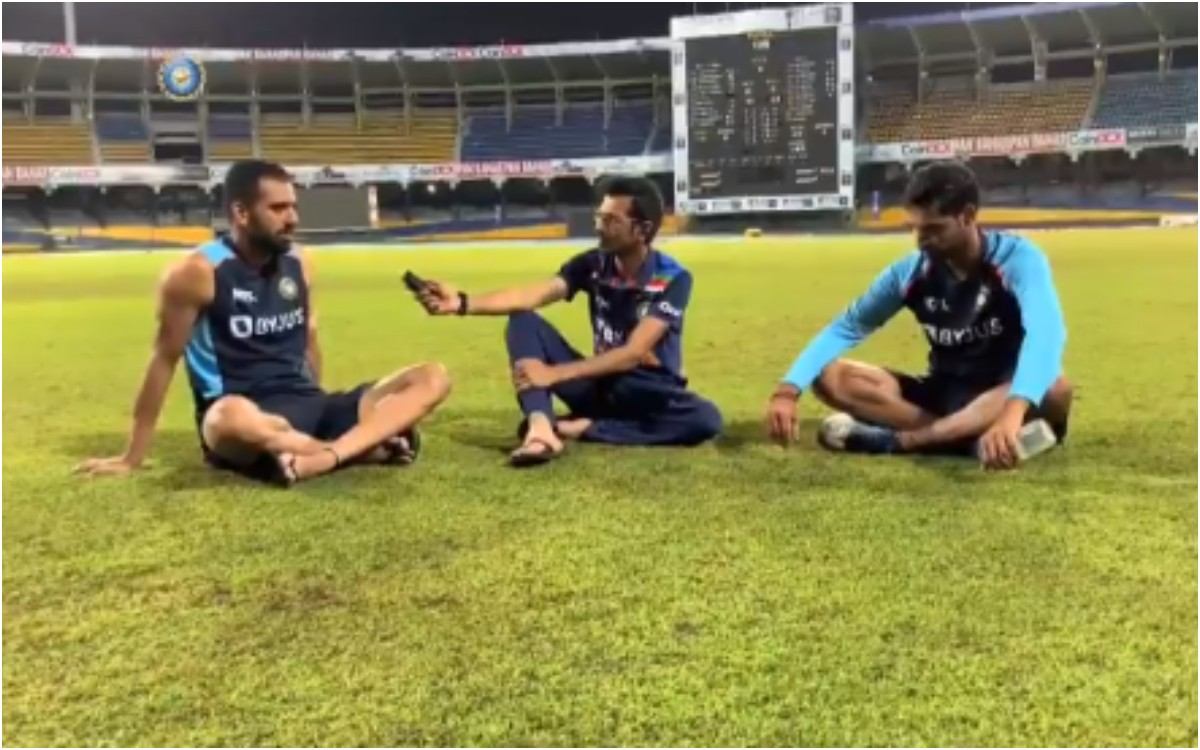 Cricket Image for VIDEO : चहल टीवी पर भुवी और दीपक ने लगाए ठहाके, वायरल वीडियो में चहल से नाराज़ हुए