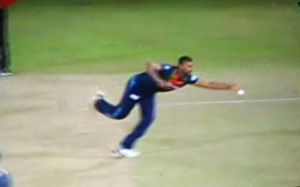 Cricket Image for VIDEO : 'एक नहीं दो-दो करिश्माई कैच', शनाका ने अपनी फील्डिंग से किया फैंस का मनोरं