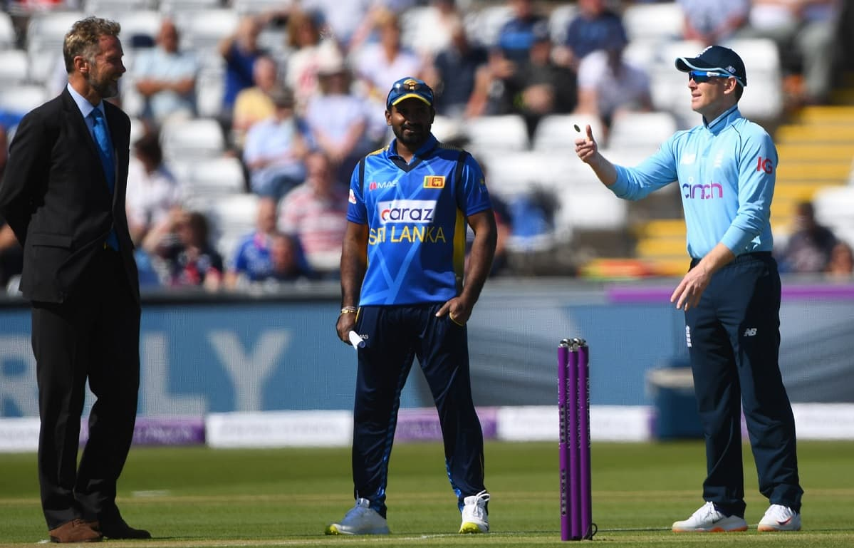 England opt to bowl first against Sri Lanka in second ODI