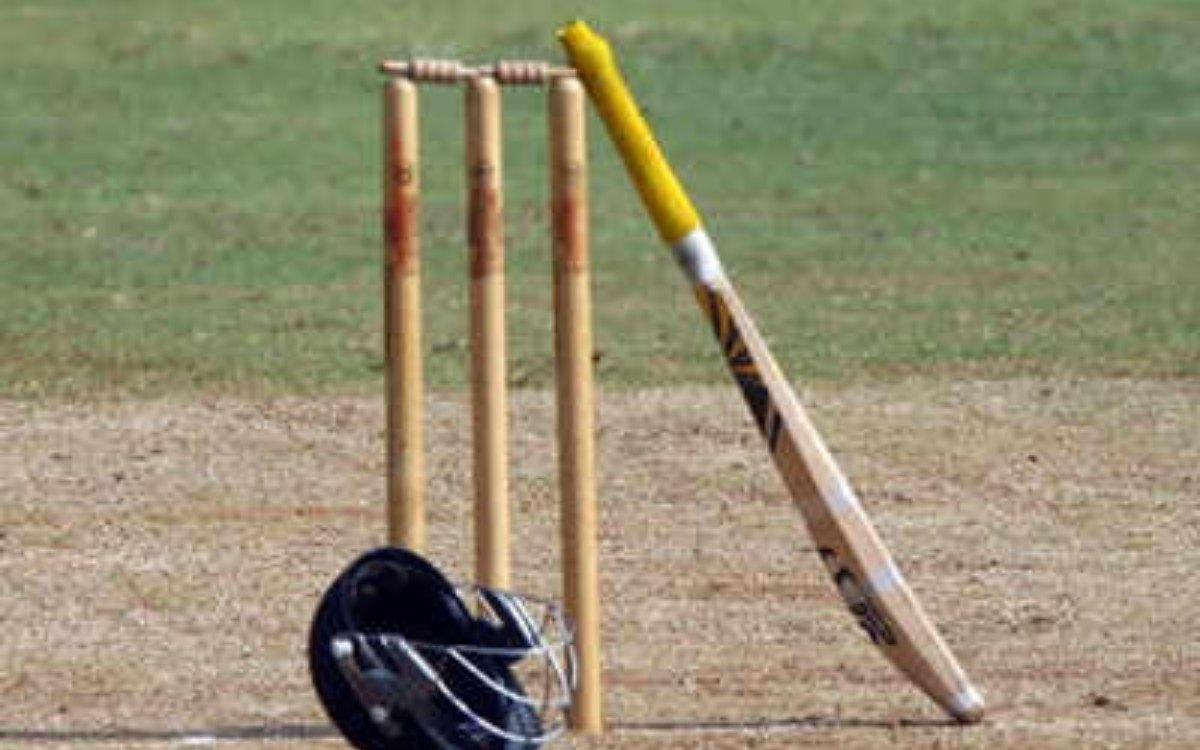 Cricket Image for इंग्लिश क्रिकेटर हुआ गिरफ्तार, लड़कियों को भेजता था अश्लील मैसेज