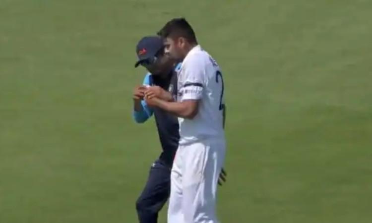 Cricket Image for बुरी खबर : इंग्लैंड दौरे पर एक भारतीय खिलाड़ी चोटिल, प्रैक्टिस मैच से भी हुआ बाहर
