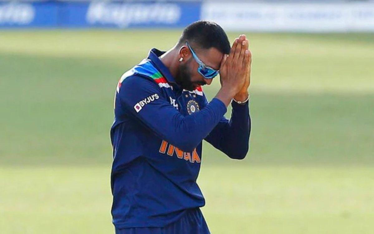 Cricket Image for 'द्रविड़, धवन और सैमसन का करियर तबाह कर दिया', क्रुणाल पांड्या पर जमकर बरस रहे हैं