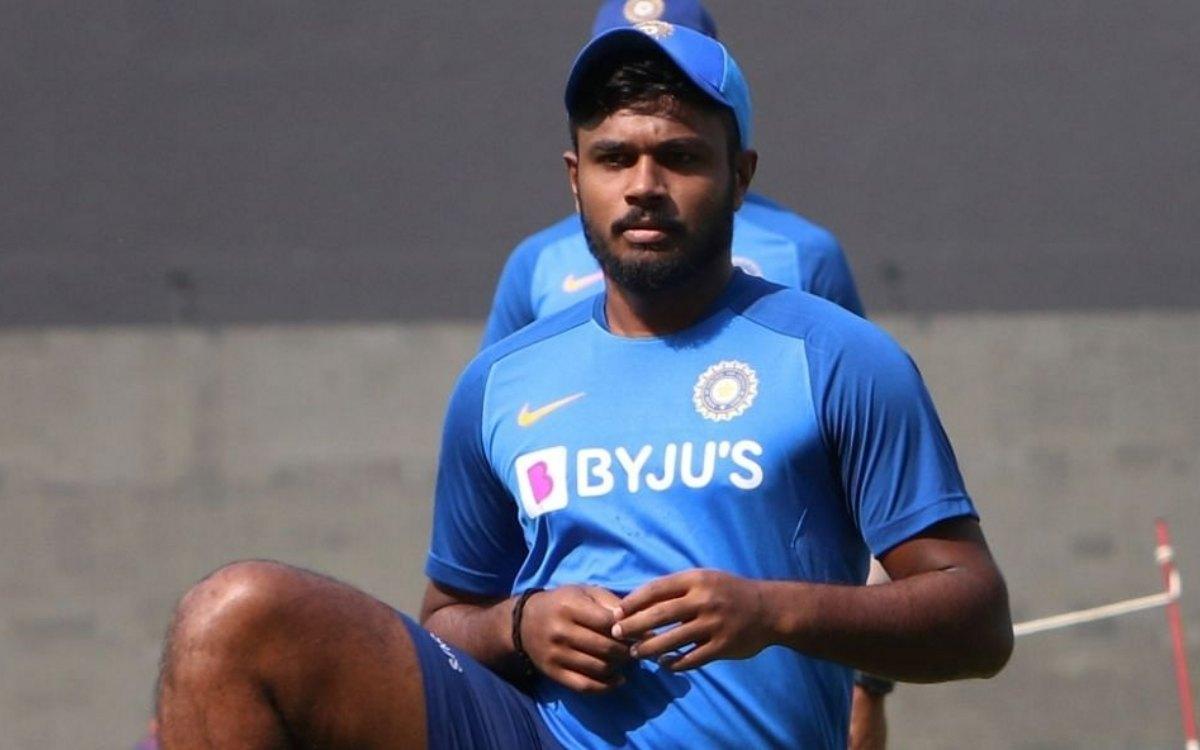 Cricket Image for संजू सैमसन ने खुद मारी है अपने पैरों पर कुल्हाड़ी, टी-20 वर्ल्ड कप से बाहर होना तय