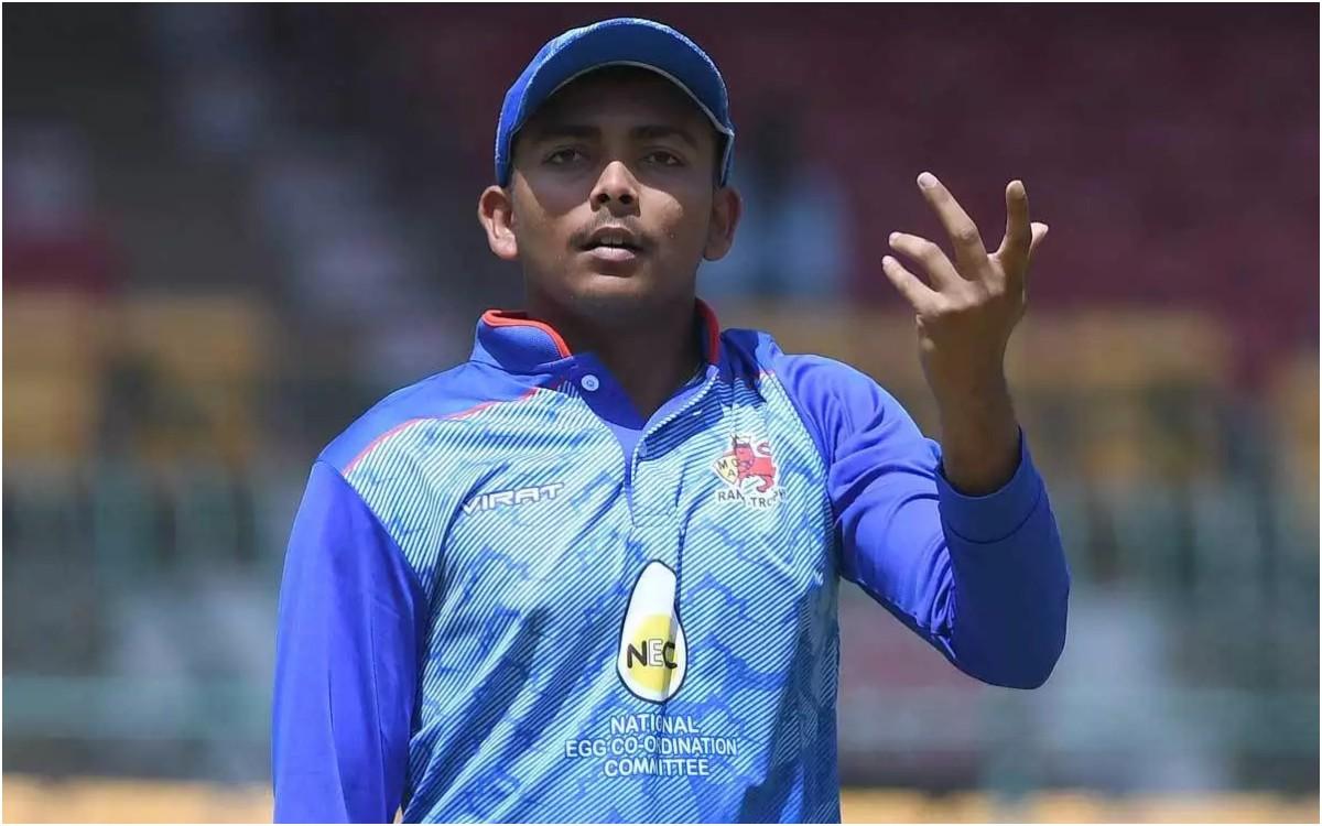 Cricket Image for 'पृथ्वी को टेस्ट में लेना, मज़ाक करना है', एक बार फिर फैंस की आंखों में खटक रहे है