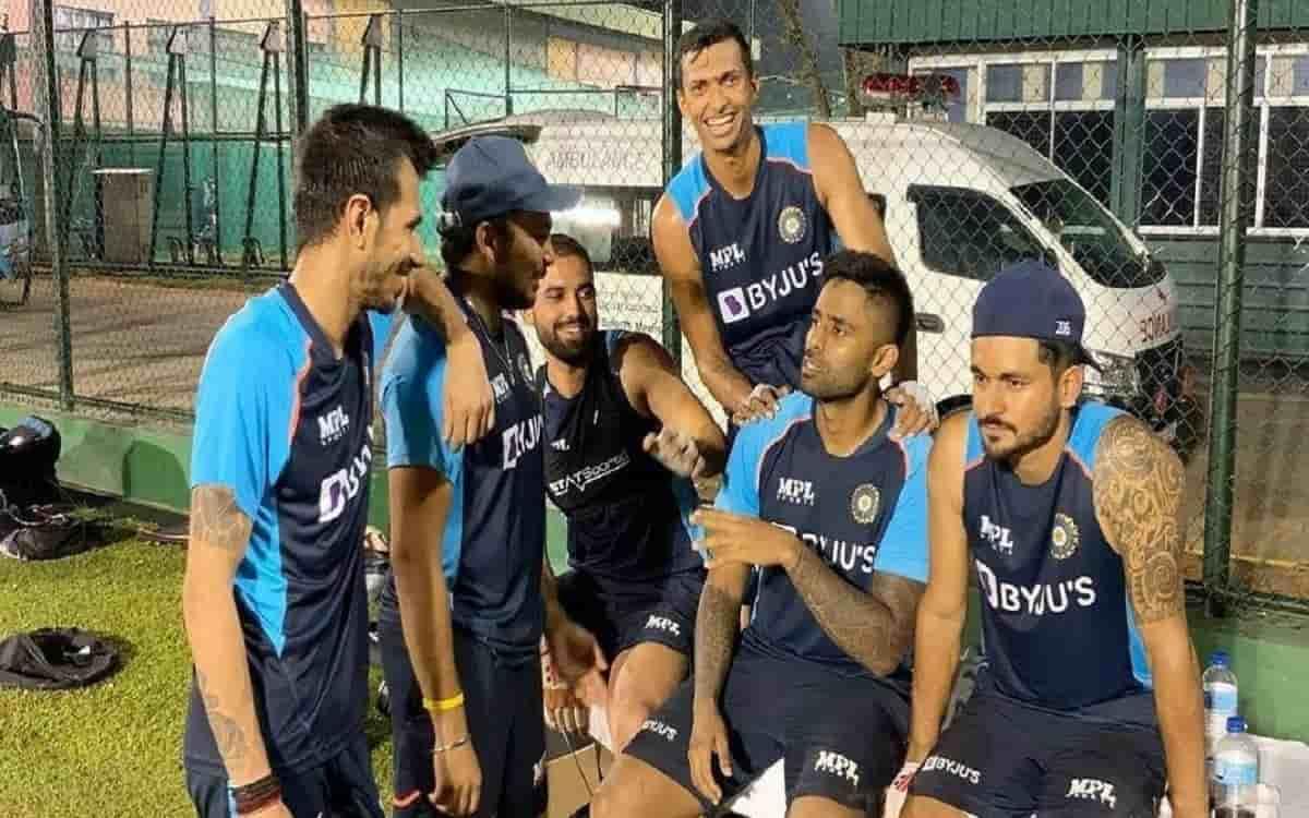 Cricket Image for श्रीलंका से इन दो भारतीय खिलाड़ियों को मिल सकता है सीधा इंग्लैंड का टिकट, जानें वज