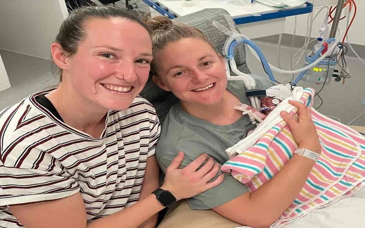 Cricket Image for ऑस्ट्रेलियाई महिला गेंदबाज मेगन शट के घर आया नन्हा मेहमान, पार्टनर ने बेटी को जन्म