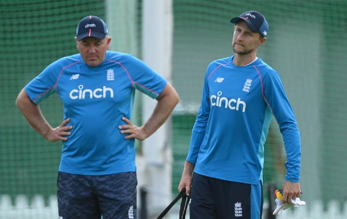 Cricket Image for कोच क्रिस सिल्वरवुड ने कहा, इंग्लैंड लड़ाई से डरता नहीं है,भारत धक्का देगा तो हम भ