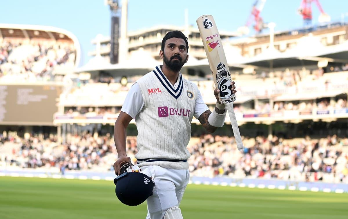 Cricket Image for लॉर्ड्स में शतक के बाद ड्रेसिंग रूम में ऐसे हुआ केएल राहुल का स्वागत,बीसीसीआई ने श