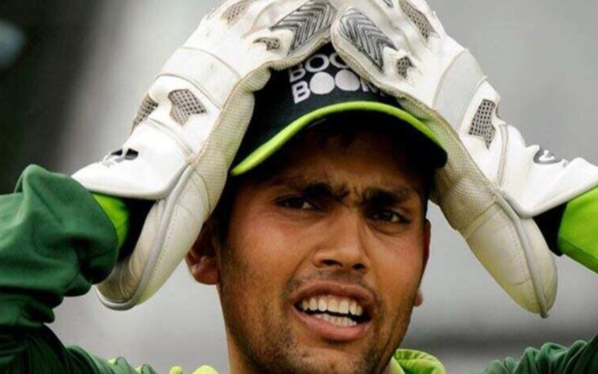 Cricket Image for Kamran Akmal Gets Trolled By Netizens After He Misspells Independence Day
