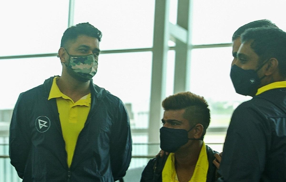 Cricket Image for IPL 2021: कप्तान धोनी के नेतृत्व में दुबई रवाना हुईचेन्नई सुपर किंग्स की टीम, देखे