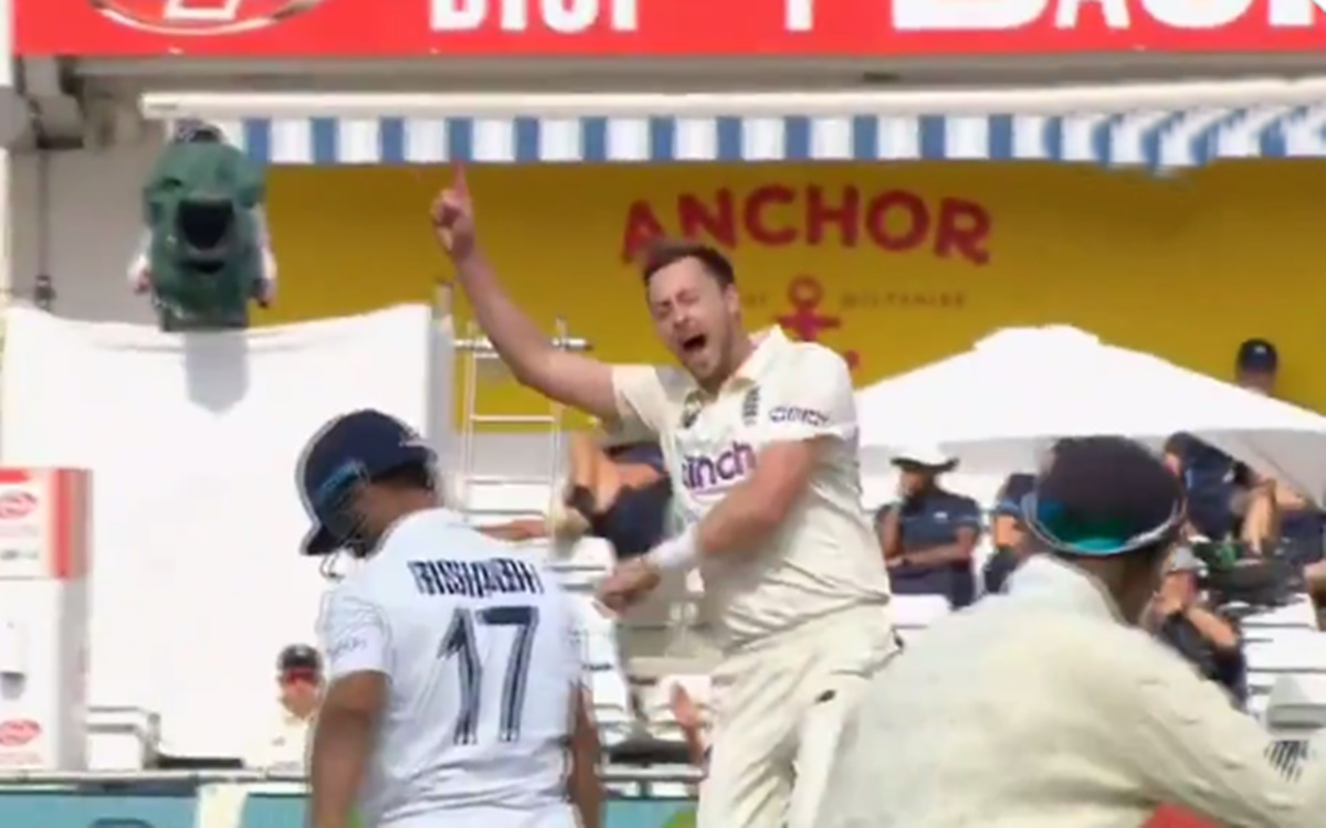 Cricket Image for Ollie Robinson Gives Rishabh Pant A Wild Send Off Watch Video
