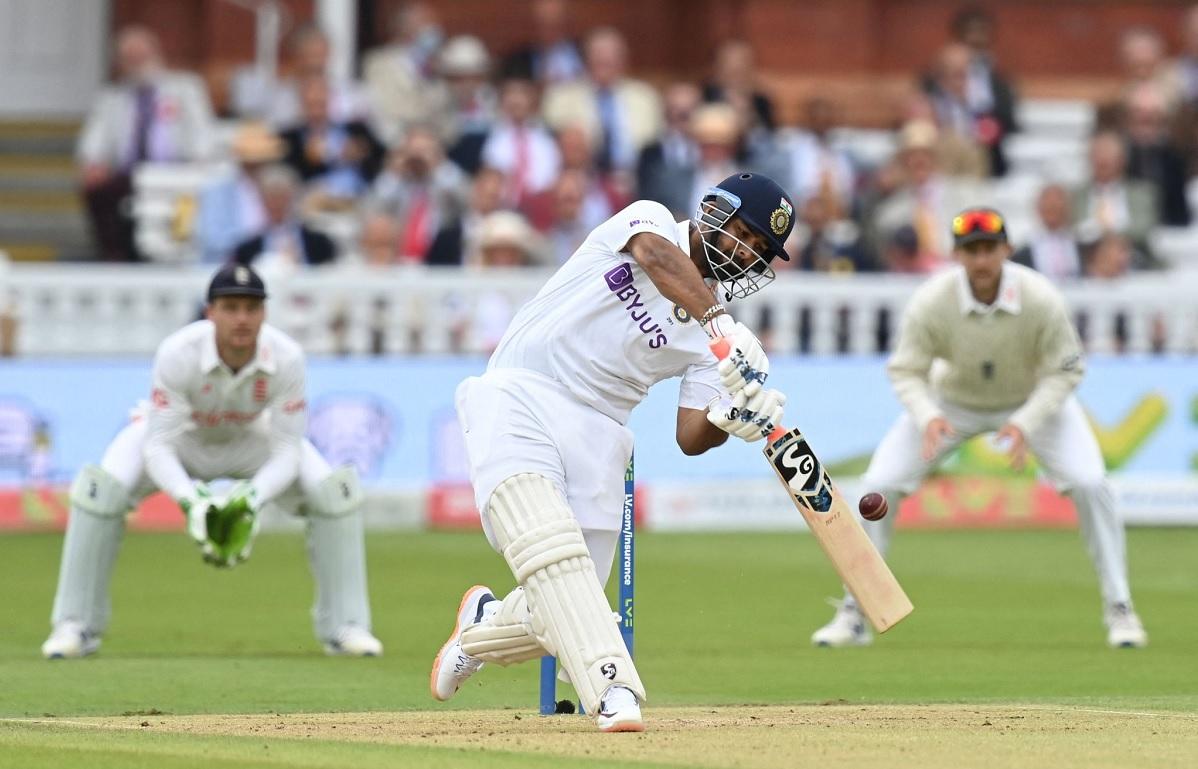 Cricket Image for Rishabh Pant ने तोड़ा एमएस धोनी का रिकॉर्ड, इस लिस्ट में बने भारत के नंबर 1 विकेटक